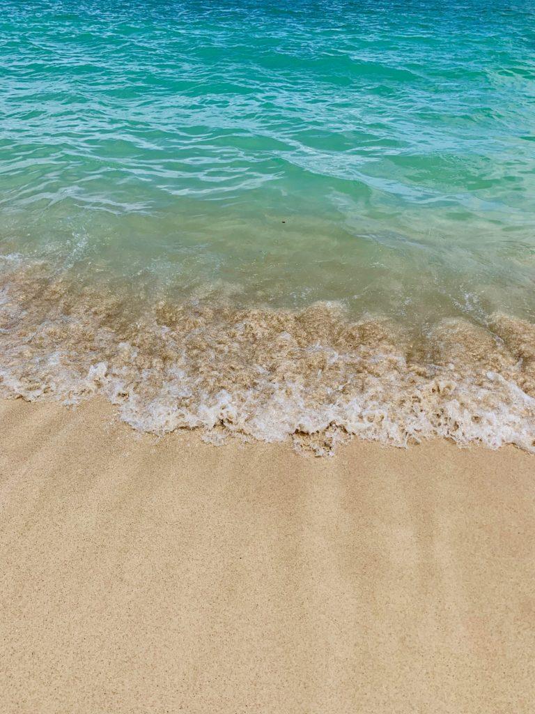 ラニカイビーチの細かい砂が最高に気持ちいい