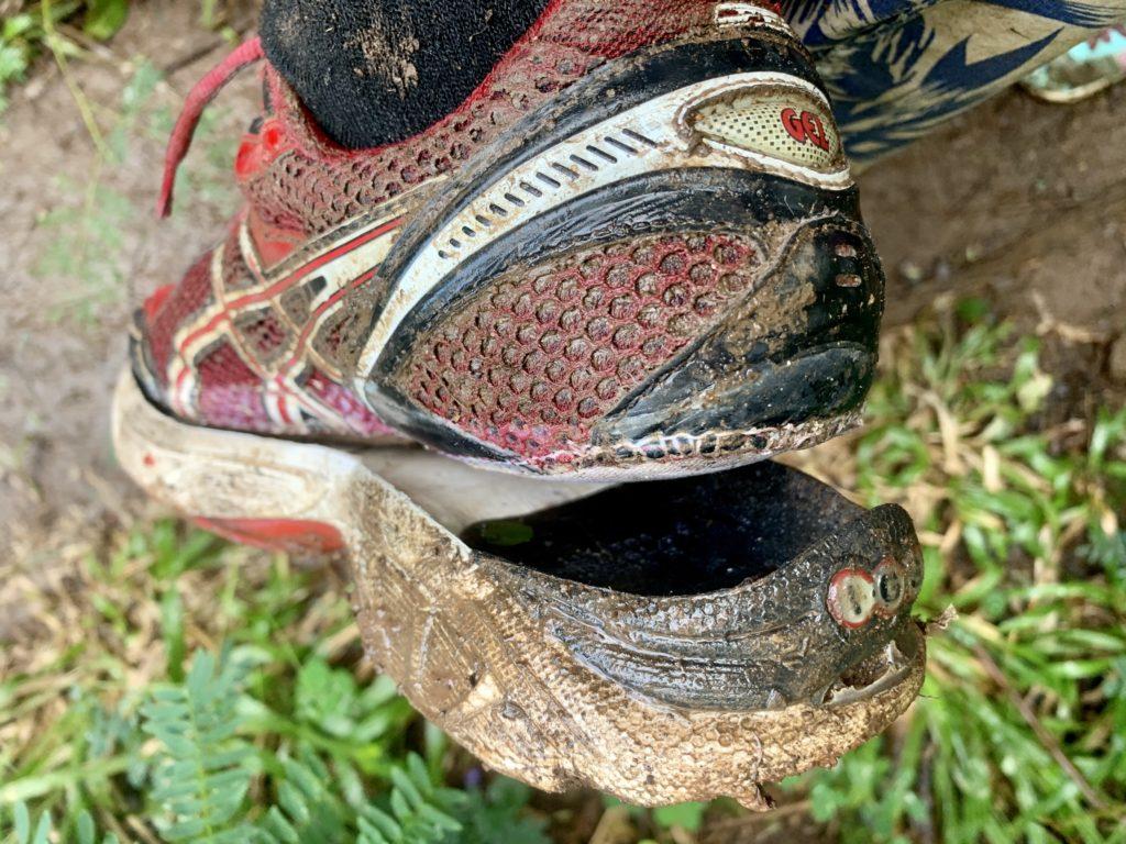 底の取れた靴