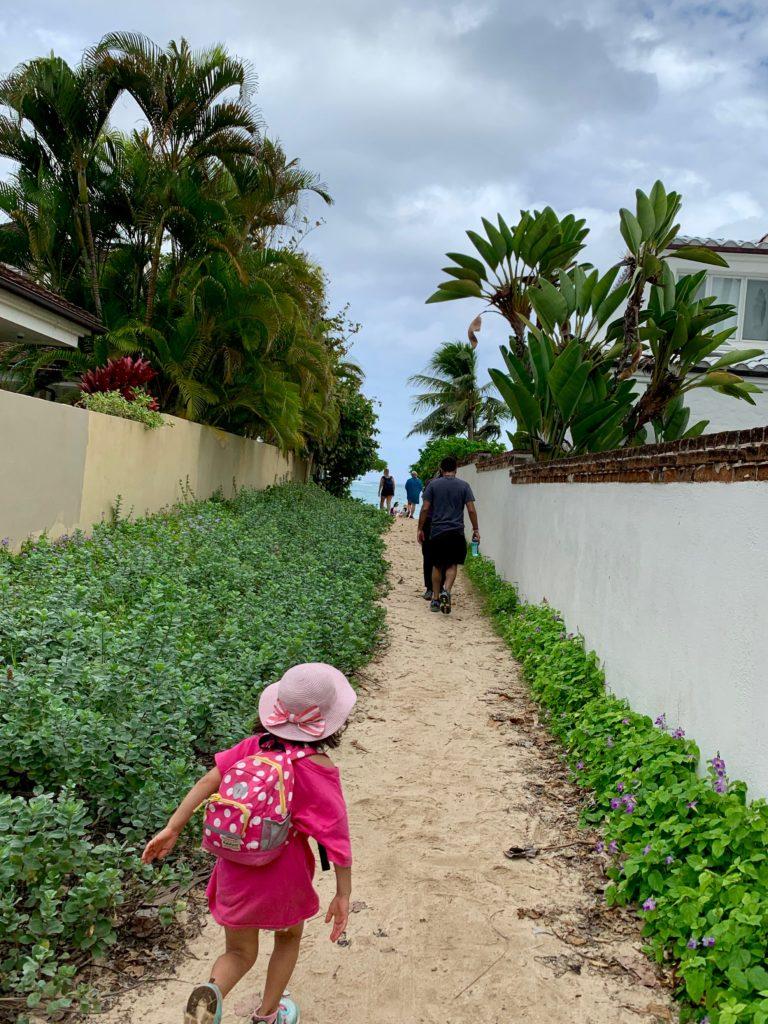ラニカイビーチへの道