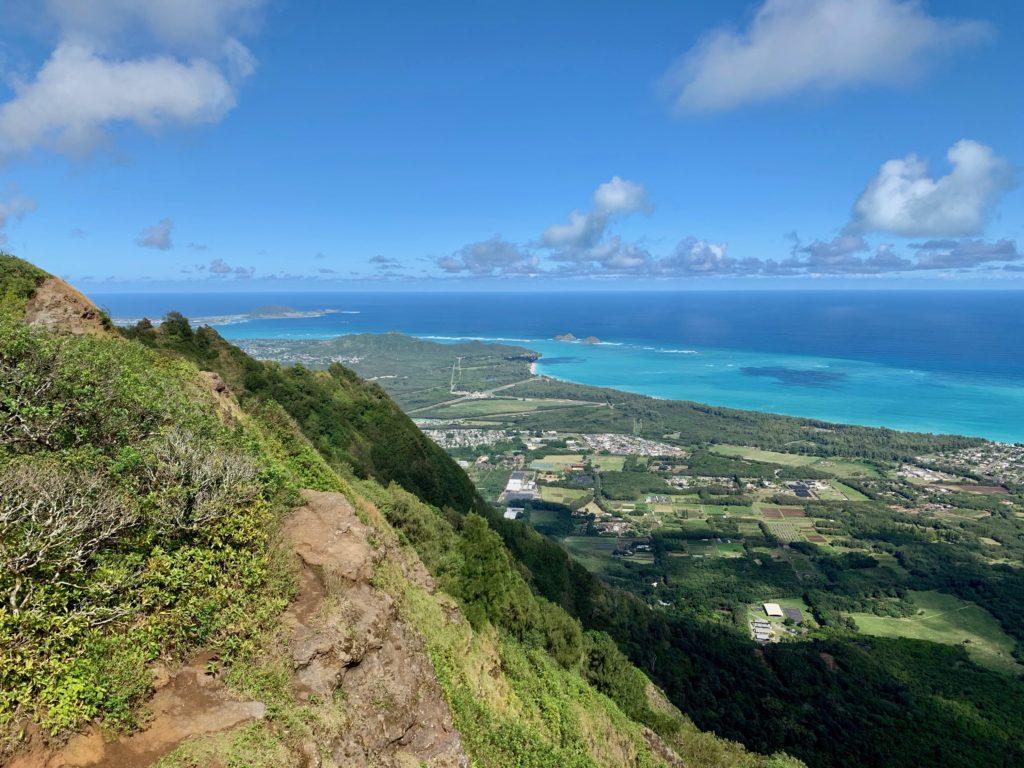 頂上からの景色 カイルア、ラニカイビーチが見える