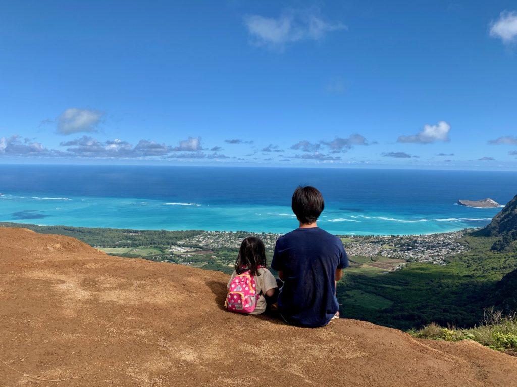 頂上でとってもらった娘と私