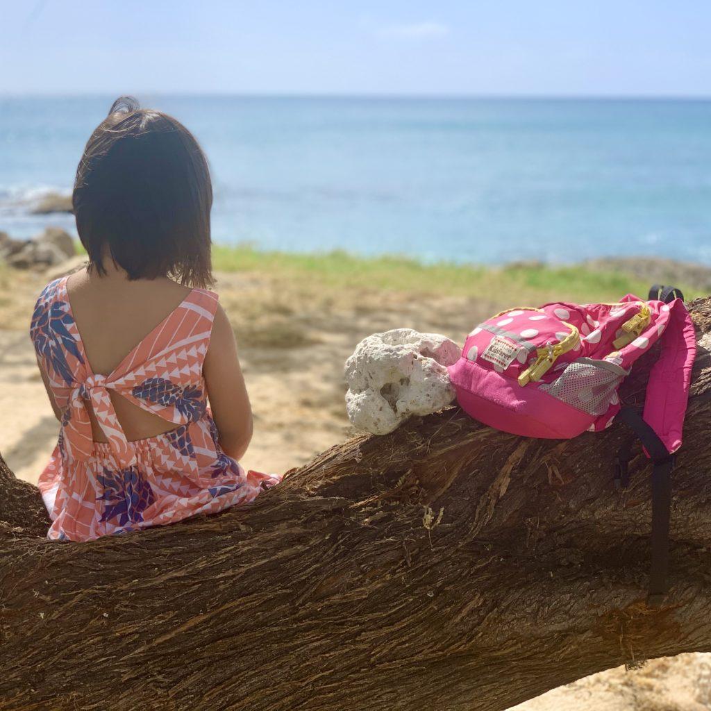 木に座り撮った娘の写真