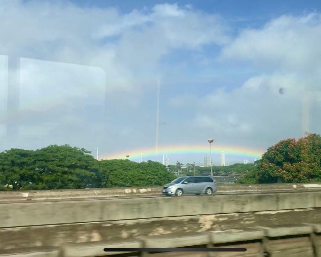 バスから見えた虹
