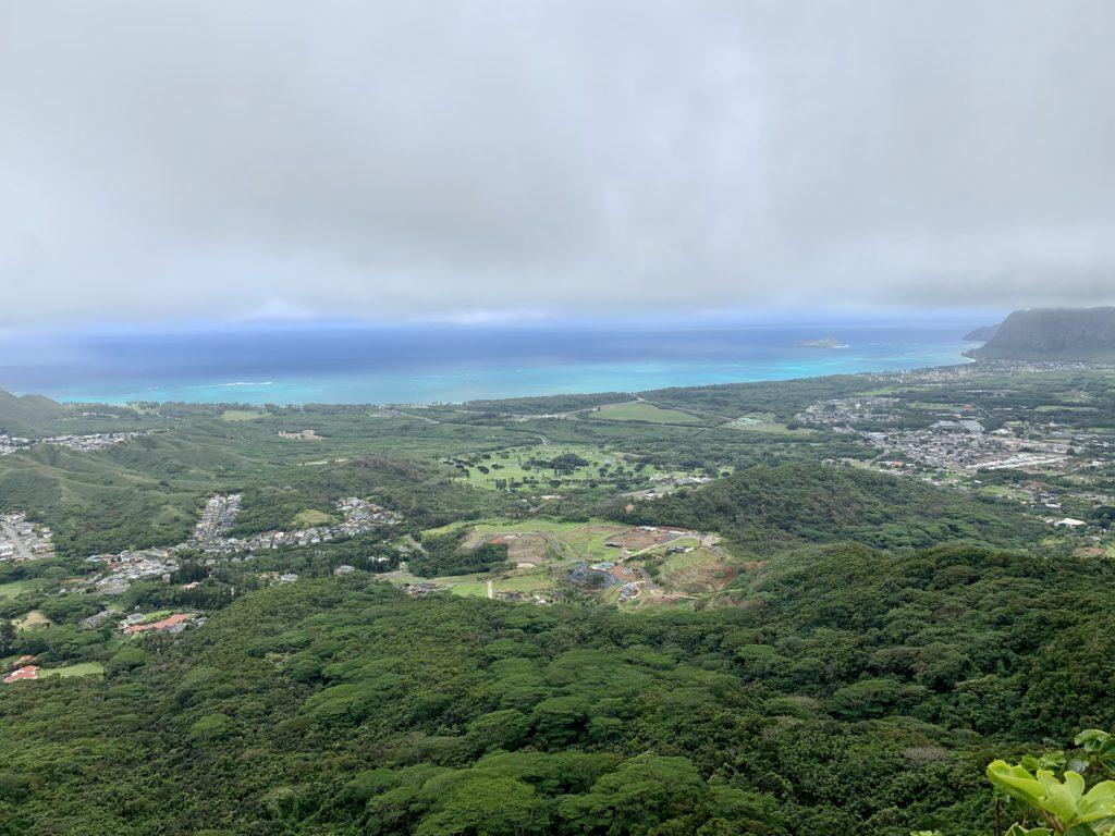 ワイマナロの海にも厚い雲がかかっている